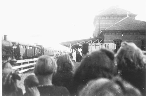Transport van Barneveld naar kamp Westerbork, september 1943. Collectie NIOD.