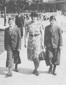 Rudi Franken (r), moeder Susanne en een neefje.