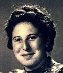 Lena bij haar huwelijk in 1945.