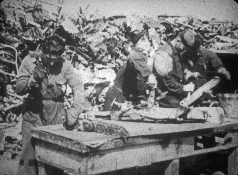 Vliegtuigslopen in kamp Westerbork.