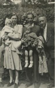 David Jas met zijn familie.