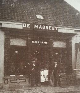 De Magneet.
