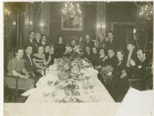 Huwelijksdiner Carolien en Jo in 1948.