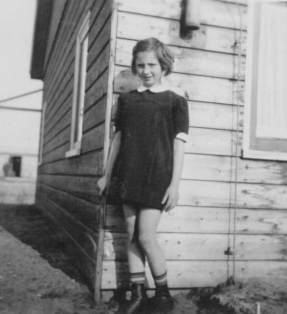 Betti Kubaschka in camp Westerbork.