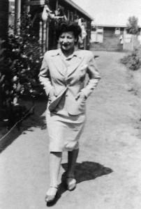 De moeder van Micha in het vluchtelingenkamp Westerbork.