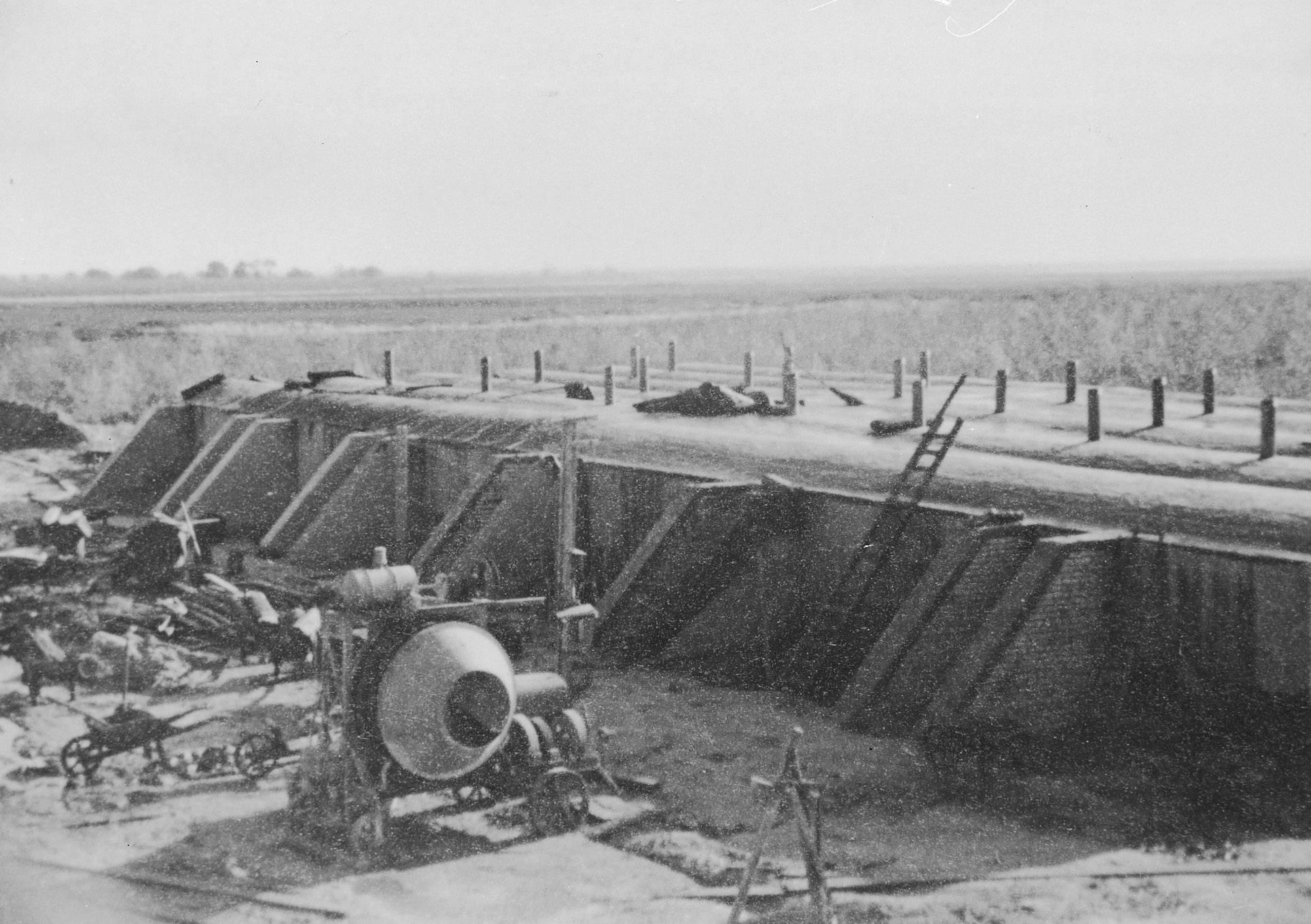 De aardappelkelder in aanbouw.