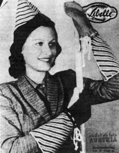 1938. Libelle met Model en Foto Austria.