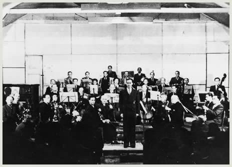 Muziekuitvoering in kamp Westerbork.