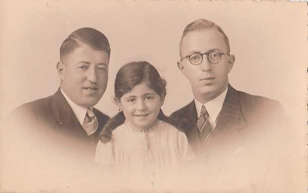 Siegmund Meijler (r) met zijn broer en zus.
