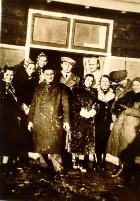 De eerste vluchtelingen in kamp Westerbork, oktober 1939.