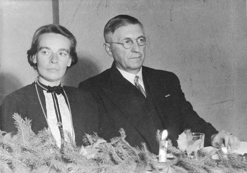Jacob Schol en zijn vrouw in kamp Westerbork.