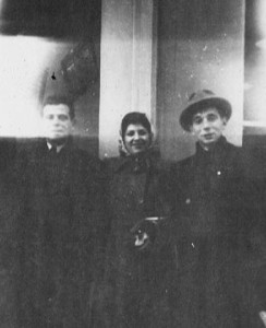Fritz, Edith en Kurt op weg naar de VS, 1947. Bron: http://familienbuch-euregio.eu/guest.html.