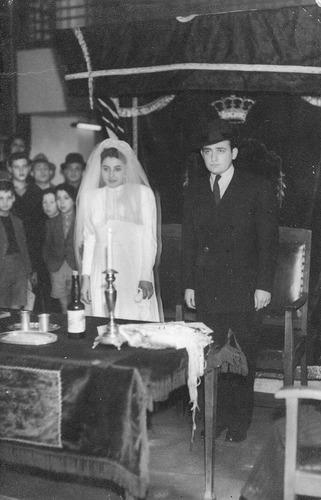 Een huwelijk in kamp Westerbork.
