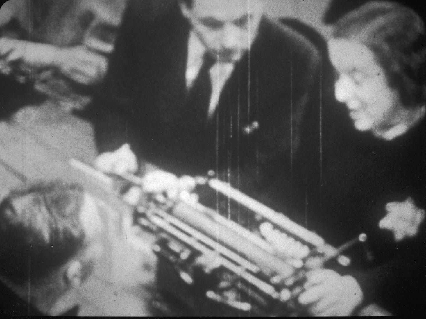 Aan het werk bij de registratie, 1944.